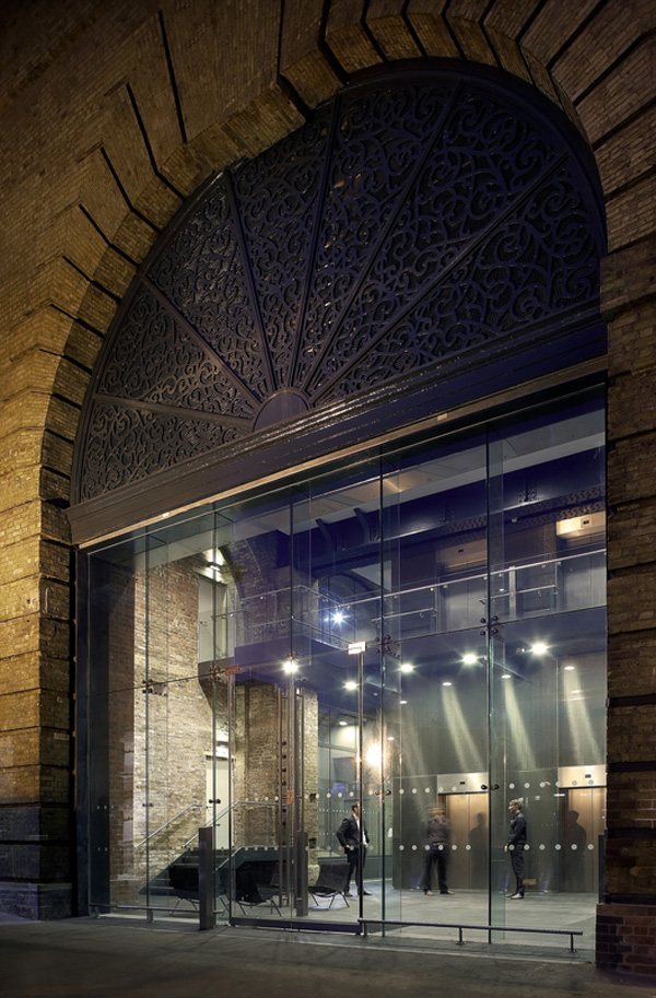 Кингс-кросс перед Олимпиадой в Лондоне по проекту английского архитектурного бюро John McAslan + Partners.
