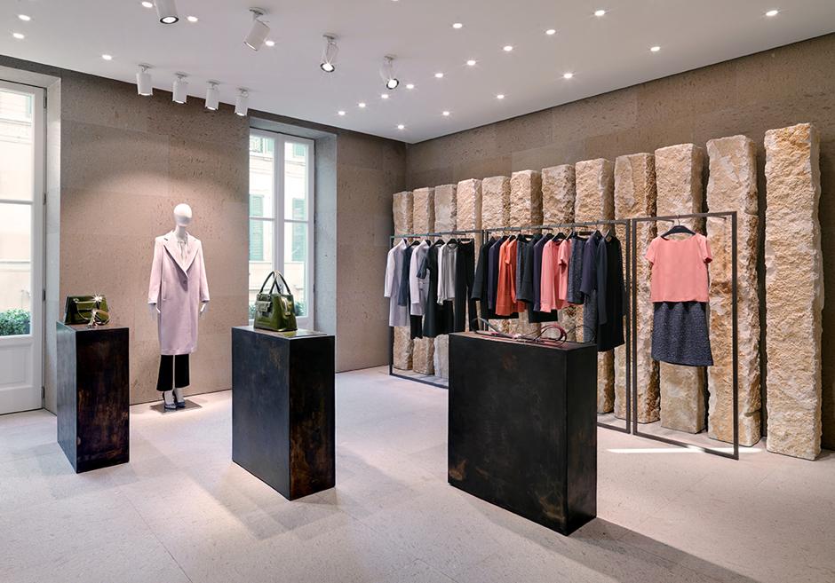 Интерьер для бутика одежды