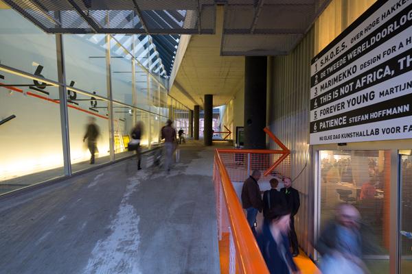 Архитекторы разработали альтернативный обзорный маршрут и перенесли на него  с прежних мест рецепцию, кафе-ресторан и магазин сувениров. 9e656a27b14